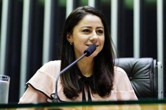 IMAGEM: Socialistas gaúchos pedem punição de deputada do PSB que apoia Lira