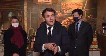 """IMAGEM: Macron: depender da soja brasileira """"seria endossar o desmatamento da Amazônia"""""""