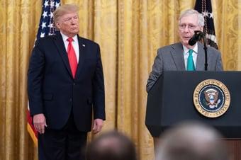 IMAGEM: Líder republicano no Senado diz estar indeciso sobre impeachment de Trump
