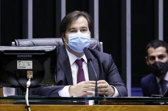 IMAGEM: Maia diz que populismo de Bolsonaro é 'vírus' e provoca Lira