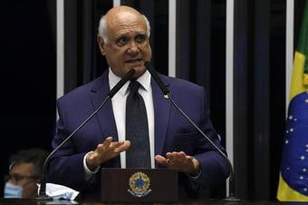 """IMAGEM: Lasier Martins: """"Não podemos ser submissos ao gosto do presidente"""""""