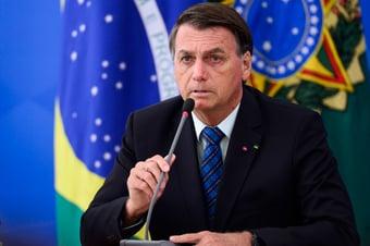 """IMAGEM: Transferência de Ramos para a Casa Civil foi """"decisão difícil"""", diz Bolsonaro"""