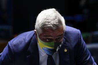 """IMAGEM: Major Olímpio defende decretos de Bolsonaro: """"Armas não matam; pessoas matam"""""""