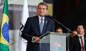 IMAGEM: Escolhido por decisão política, futuro chefe da Petrobras diz que não cederá a pressão política