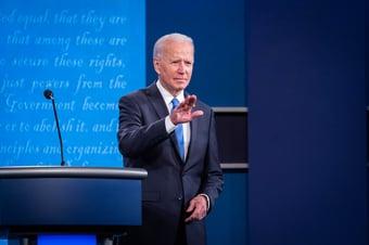 IMAGEM: Câmara dos EUA aprova pacote de US$ 1,9 trilhão de Biden