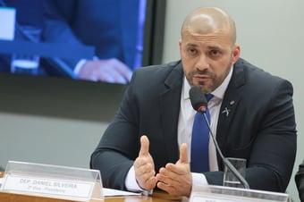 """IMAGEM: Daniel Silveira pede que deputados não """"relativizem"""" a imunidade parlamentar"""