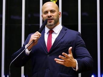 """IMAGEM: """"Deveria ter recusado a prisão"""", diz Daniel Silveira"""
