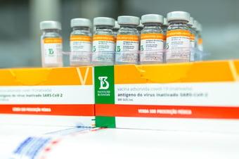 IMAGEM: Sete capitais estão sem aplicar 2ª dose da Coronavac