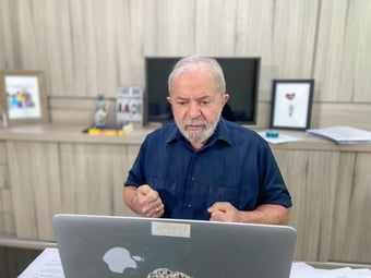 IMAGEM: Lula diz que mercado tem que ficar preocupado com sua possível volta ao poder