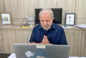IMAGEM: 'Em breve já estará de volta em casa', diz Lula, sobre Dilma