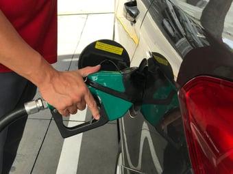 IMAGEM: Gasolina vai subir 8,8% em 2º reajuste de março