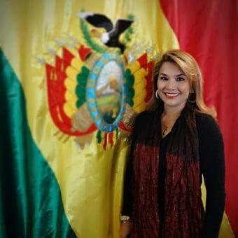 IMAGEM: Justiça da Bolívia manda prender ex-presidente adversária de Evo