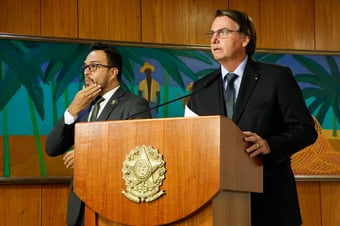 IMAGEM: Crise em Manaus turbinou pedidos de impeachment de Bolsonaro no Twitter