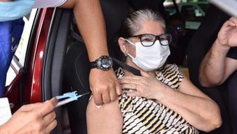 IMAGEM: Manaus começa a vacinar parte dos idosos de 60 a 64 anos
