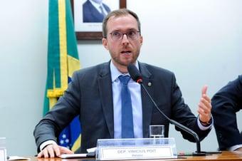 """IMAGEM: Líder do Novo para Bolsonaro: """"Não fuja do país e não arregue da decisão"""""""