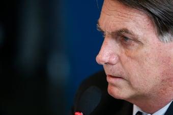 IMAGEM: Bolsonaro e Queiroga assistem a Mandetta na CPI