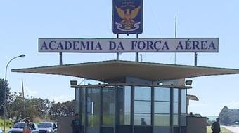 IMAGEM: Covid: surto atinge 39 cadetes da Academia da Força Aérea