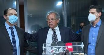 """IMAGEM: """"Não é demissão, é um remanejamento"""", diz Guedes sobre saída de Waldery da Fazenda"""
