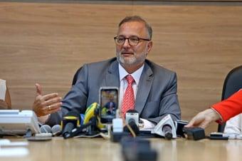 IMAGEM: Secretário de Saúde da Bahia minimiza risco de adenovirose da Sputnik