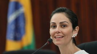 IMAGEM: Advogada que atuou contra Lula em 2018 é favorita para vaga no TSE