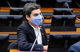 IMAGEM: Deputado do Novo é cobrado por voto pró-Eduardo Bolsonaro em Conselho de Ética