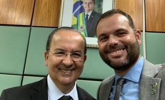 IMAGEM: Secretário da Pesca se filia ao PL de Valdemar Costa Neto