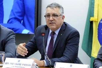 IMAGEM: Padilha pede ao TCU que investigue Ministério da Saúde por atrasos da Fiocruz