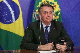 IMAGEM: Bolsonaro diz que define futuro político até o fim de abril