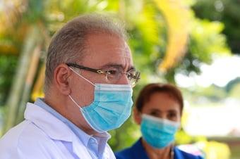 IMAGEM: Queiroga admite dificuldades em adquirir vacinas até segundo semestre