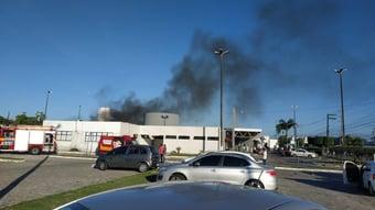 IMAGEM: Incêndio em ala de Covid de hospital em Aracaju deixa ao menos 4 mortos