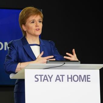 IMAGEM: Após vitória eleitoral, premiê da Escócia promete novo referendo sobre independência