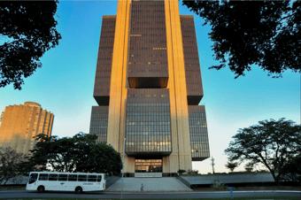 IMAGEM: Desemprego deve terminar 2021 em 13,8%, dizem economistas ouvidos pelo BC