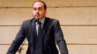 IMAGEM: Carluxo sugere que Simone Tebet fez gesto supremacista de Filipe Martins