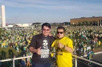 IMAGEM: Filho de ex-deputado do Patriota é intubado após ir a ato pró-Bolsonaro
