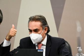 IMAGEM: 'Condições de contratos de vacinas não eram leoninas', diz ex-CEO da Pfizer