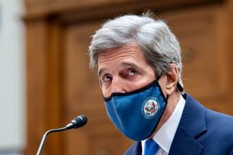 IMAGEM: Embaixada dos EUA minimiza comentário de Kerry sobre 'regime' de Bolsonaro