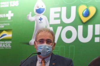 IMAGEM: Queiroga muda de opinião e agora defende participação do setor privado na vacinação