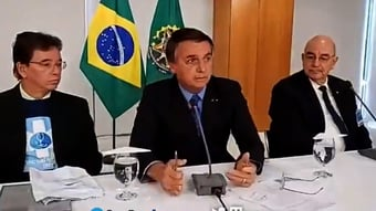 IMAGEM: Vídeos mostram 'ministério paralelo' orientando Bolsonaro contra vacinas