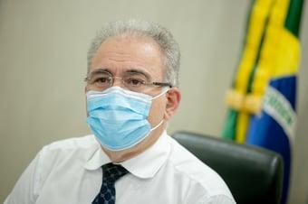 IMAGEM: Vacina da Janssen chega na terça, diz Queiroga
