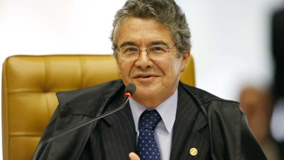 Dupla do golden shower vai ao STF para que Bolsonaro apague tuítes
