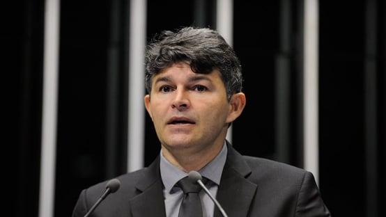 Candidata de Bolsonaro no Mato Grosso chorou e disse que Jesus avisou que ela vai ganhar