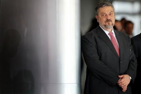 Em sessão secreta, Palocci confirma à CPI do BNDES participação de Lula em empréstimos para Odebrecht