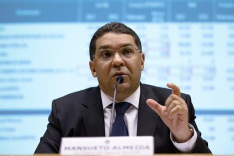 Mansueto anuncia saída do governo