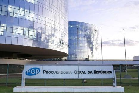 """Enquanto discursa pelo voto secreto, Braga é denunciado pela PGR por """"caixa 3"""""""
