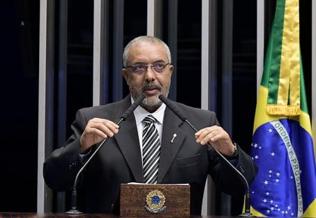 """Senador petista diz que Lula """"entrou bem"""" na disputa de 2022"""