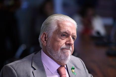 Jaques Wagner se posiciona contra reeleição inconstitucional de Alcolumbre