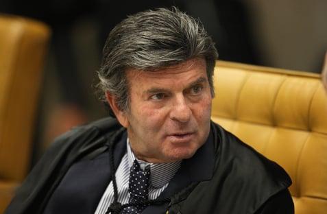 Quando assumir o plantão, Fux vai suspender juiz de garantias, diz jornal