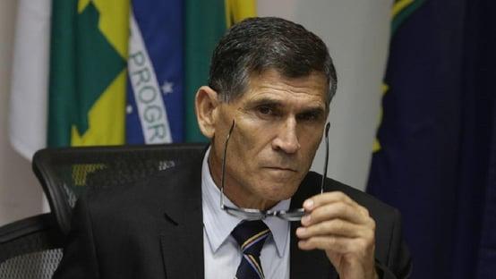 """""""Precipitação"""", diz Santos Cruz sobre projeto de autonomia da PM"""