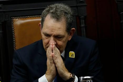 Presidente do STJ nega a demais presos do grupo de risco da Covid benefício que deu a Queiroz