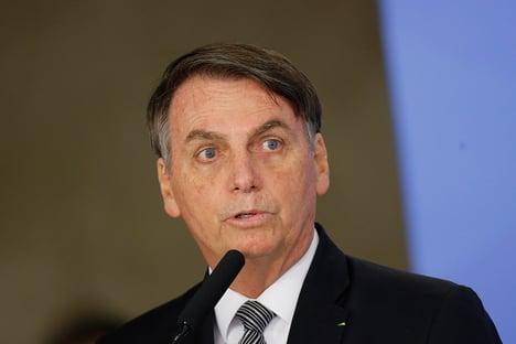 Bolsonaro ataca brigadistas de Alter do Chão